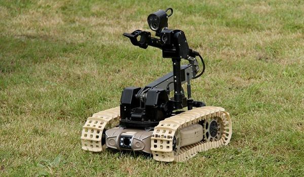 Боевые и охранные роботы обеспечат безопасность России