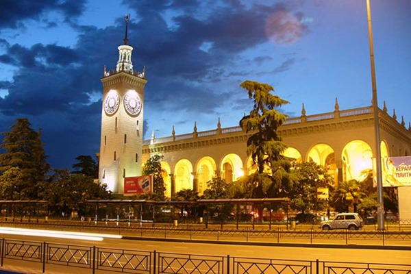 Железнодорожный вокзал в Сочи стал безопаснее