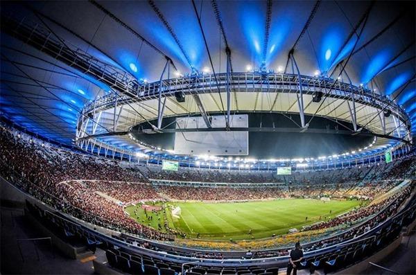 О безопасности футбольных стадионов в Бразилии...